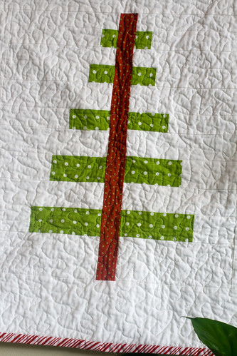 mod christmas tree wall hanging