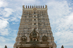 rameshwaram gopuram (tamilian / photo-capture.co.uk) Tags: india temple hindu hinduism siva tamilnadu rameshwaram sathish tamilian gopuram canon30d ramanathaswamy southindiantemple photocapturecouk