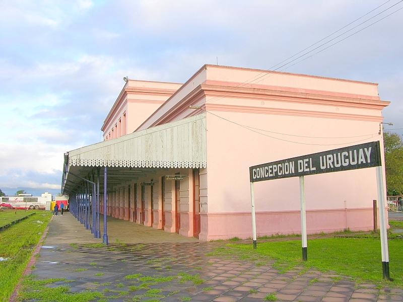 Estacion de tren abandonada: que lastima verla asi...