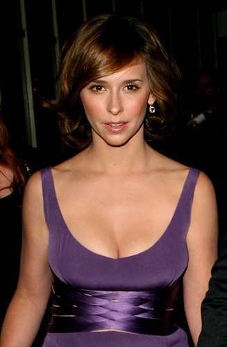 Jennifer love hewitt big boobs