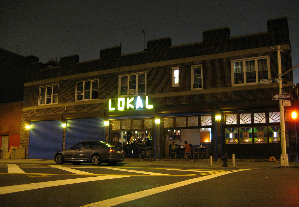 Everything opened at once - Lokal is open