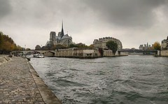Notre-Dame-de-Paris - 3-11-2007 - 13h00 (Panoramas) Tags: autumn panorama paris france church seine clouds automne river de point geotagged la stream waves cathedral perspective iglesia kirche wave notredame chiesa cathdrale ciel fv10 nuages vanishing vague vagues quai eglise hdr ptassembler courant kathedral tournelle fuite glise wavelet wavelets etiennecazin vaguelettes   vaguelette smartblend  tiennecazin geo:lat=48851042 geo:lon=2352898