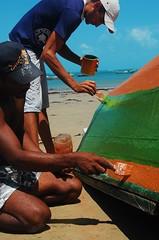 Juntos chegaremos lá (Registros da Massi) Tags: praia brasil cores mar ceará tinta pescadores jangada mundaú