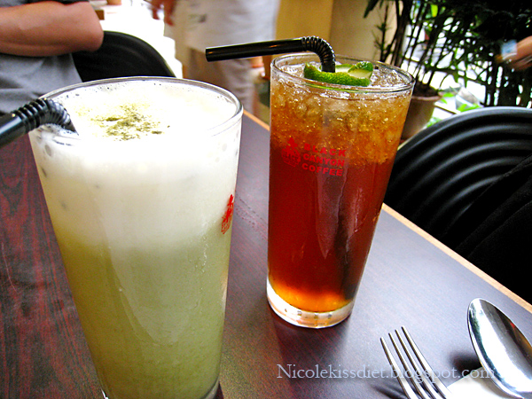 green tea latte and ice lemon tea