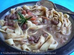 Cremige Bohnensuppe mit Tagliatelle
