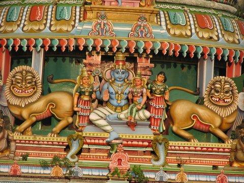 detail of vishnu and simhas koodal azhagar temple 250308