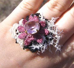 A-Blinga-Ringa Fingernest Ring