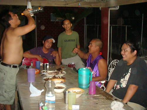Philippines,Pinoy,Filipino,Pilipino,Buhay,Life,people,pictures,photos,men,drinking,inuman