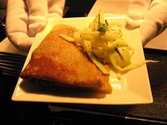 Pierre Hermé: Braisé de porc en galette de blé noir, cole slaw de fenouil, pomme et noix