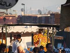 selling orange juice (daniel.virella) Tags: square market unescoworldheritagesite morocco maroc marrakesh marruecos marrocos djemaaelfna
