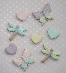 Insects & hearts (cakejournal) Tags: cookies hearts cookie dragonflies pastel butterflies insects teacups teapot bonbon fondantcookies fondantcookie