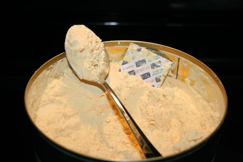 Spoon of powdered eggs