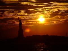 Lady in the sun. (Sarazonderh) Tags: sunset newyork liberty beautifulsky wowiekazowie