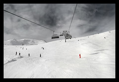 red&white (labareda photo) Tags: snow alpes austria hinterglemm