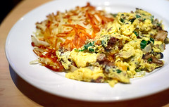 24 Seven Cafe Joe's Scramble (disneymike) Tags: vegas food breakfast palms mushrooms restaurant hotel potatoes nikon lasvegas nevada plate casino meat resort onions hamburger eggs nikkor hashbrowns spinach d3 scrambledeggs groundbeef 247 50mmf14d 24seven 247cafe palmscasinoresort 24sevencafe