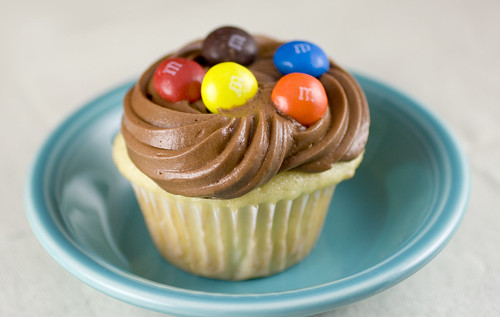 Peanut Butter M&M Cupcakes