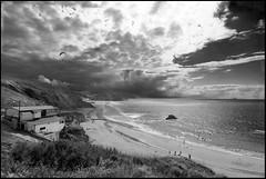 Cielo y mar (Txanoduna) Tags: contraluz geotagged see mar basque vasco euskalherria paysbasque itxasoa sopela zuribeltza to1224 jl08 geo:lat=43391046 geo:lon=2991242 countrypais