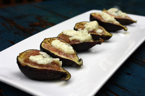 Roasted Figs with Roquefort 1