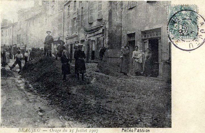 dégâts de l'orage du 25 juillet 1907 à Beaujeu