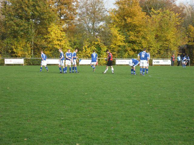 voetbal 02-11-07 032