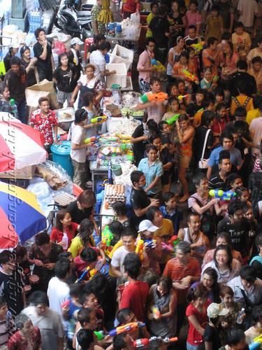 Lễ hội Songkran tại khu Silom