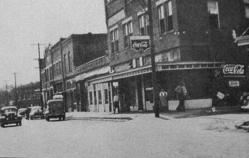 IL-Johnston City-Broadway 1930johnston city