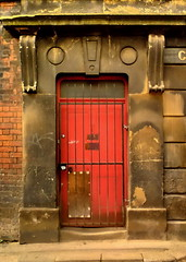 red door #5 (Harry Halibut) Tags: street door red brick stone sheffield images grille allrightsreserved cornish circlescirclescircles rotrossorougerood sheff080502027 imagesofsheffield redsheff andrewpettigrew