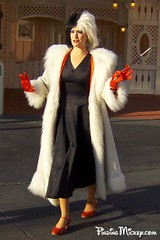 cruella de vil (Finding Mickey) Tags: disneyland disney cruella 101dalmations disneyvillain findingmickey findingmickeycom