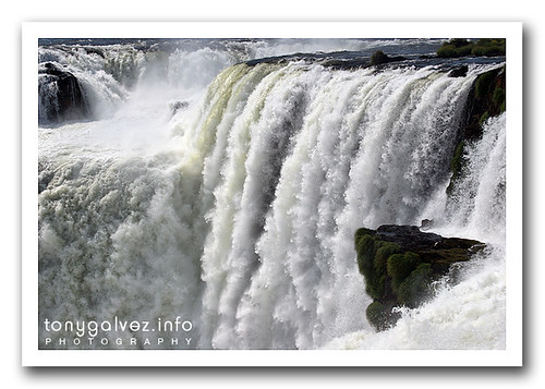 el descabellado proyecto de iluminar las cataratas de Iguazú