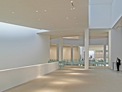 Pinakothek der Moderne Revisited (yushimoto_02 [christian]) Tags: art museum architecture modern canon germany munich mnchen geotagged arquitectura europe bellasartes arte kunst exhibition architektur museo hdr ausstellung exposicion pinakothekdermoderne pinakothek architectura kunsthalle pinakothekmoderne exhibicion hdrwithouttripod schneknste bellaarte schoenekuenste