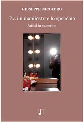 Tra un manifesto e lo specchio