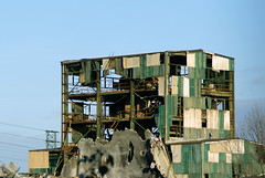 Industrial Ruins (Red Castle) Tags: espaa industry spain industrial factory decay steel country bilbao industria basque vasco decadence pais chemical factories barakaldo quimica industrialization lutxana luchana quimico sefanitro