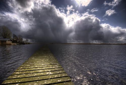 Todavía es soleado en el lago ...