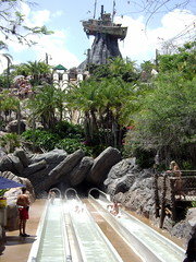 Typhoon Lagoon (kevkev44) Tags: world water ride upsidedown slide disneyworld rollercoaster launch waltdisneyworld studios slides mgm coaster themepark mgmstudios waterpark vekoma rocknrollercoaster darkride wavepool typhoonlagoon launchcoaster hollywoodstudios disneyshollywoodstudios disneyphotochallenge rockcoaster