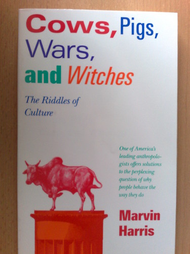 Cows, Pigs, Wars, and Witches pro Marvin Harris
