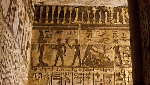 P1040140_Luxor_Ramses3FuneraryTemple_MedinatHabu