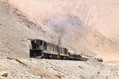 Poniendole puntos!!! (Guillermo Andre) Tags: chile gm cooper atacama desierto railways cobre ferrocarril llanta acido potrerillos tolvas concetrado ferronor gr12u