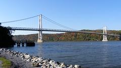 Mid-Hudson Bridge over Hudson River, New York (jag9889) Tags: bridge ny newyork puente crossing bridges landmark historic ponte route poughkeepsie highland pont hudsonriver 55 brücke 44 fdr 2007 dutchesscounty ulstercounty midhudsonbridge us44 y2007 ny55 jag9889