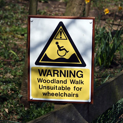 WARNING Woodland Walk Unsuitable for wheelchairs (Leo Reynolds) Tags: sign canon eos zoo iso100 wheelchair f5 peril 30d 65mm signsafety 0ev hpexif 0001sec signhazard groupperil xratio11x groupwheelchairs xleol30x