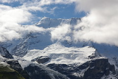Alps de Lauterbrunnen / The Alps in Lauterbrunnen (SBA73) Tags: schnee snow mountains alps berg clouds alpes switzerland suisse suiza nieve nubes svizzera ch neu montañas nuvols berneroberland suissa montanyes anawesomeshot scheitz aplusphoto top20blue confaederatiohelvetica top20white top20everlasting