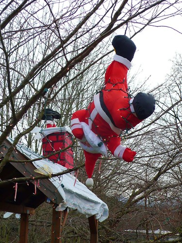 倒吊聖誕老公公