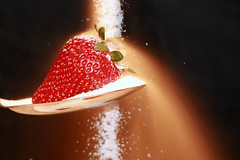 Golden veil (Celeste) Tags: red macro gold yummy strawberry long exposure spoon sugar magical happyaccident frutilla fresa celesteromero