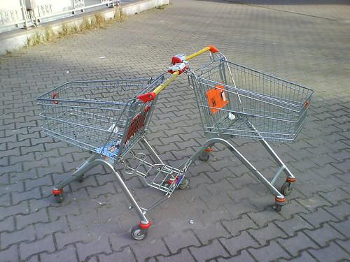 Einkaufswagenpäärchen