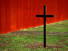 Something Is Odd (bogenfreund) Tags: berlin wall memorial cross kreuz mauer gedenksttte