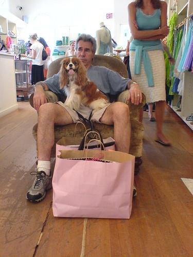 Man & Dog Shopping par Breslow