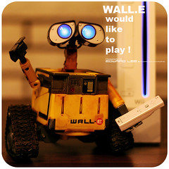 walle'dliketoplay_1 (EdwardLee's collection) Tags: game movie toy toys robot disney collection pixar videogame walle wii walle edwardlees walle