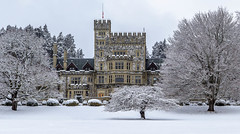 Hatley Castle (Paul Rioux) Tags: britishcolumbia bc vancouverisland victoria colwood westshore royalroads university college hatley castle winter snow old building architecture historic trees weather season cold prioux