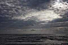 Refracciones (Leles14) Tags: nwm martesdenubes nubes clouds cielo