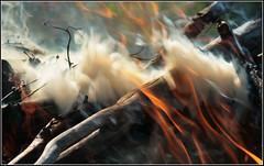 Smoke and fire (Ubierno) Tags: fire smoke blaze fuego humo feu fogata hoguera aplusphoto ubierno