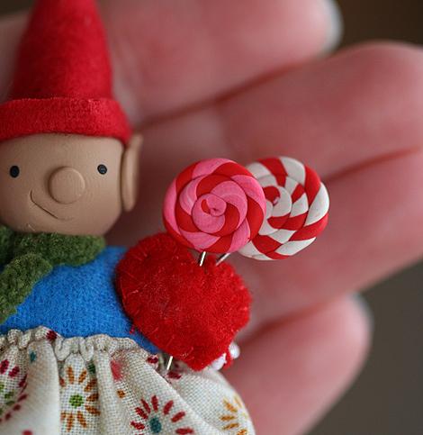 No. 008 Elfette with Lollipops